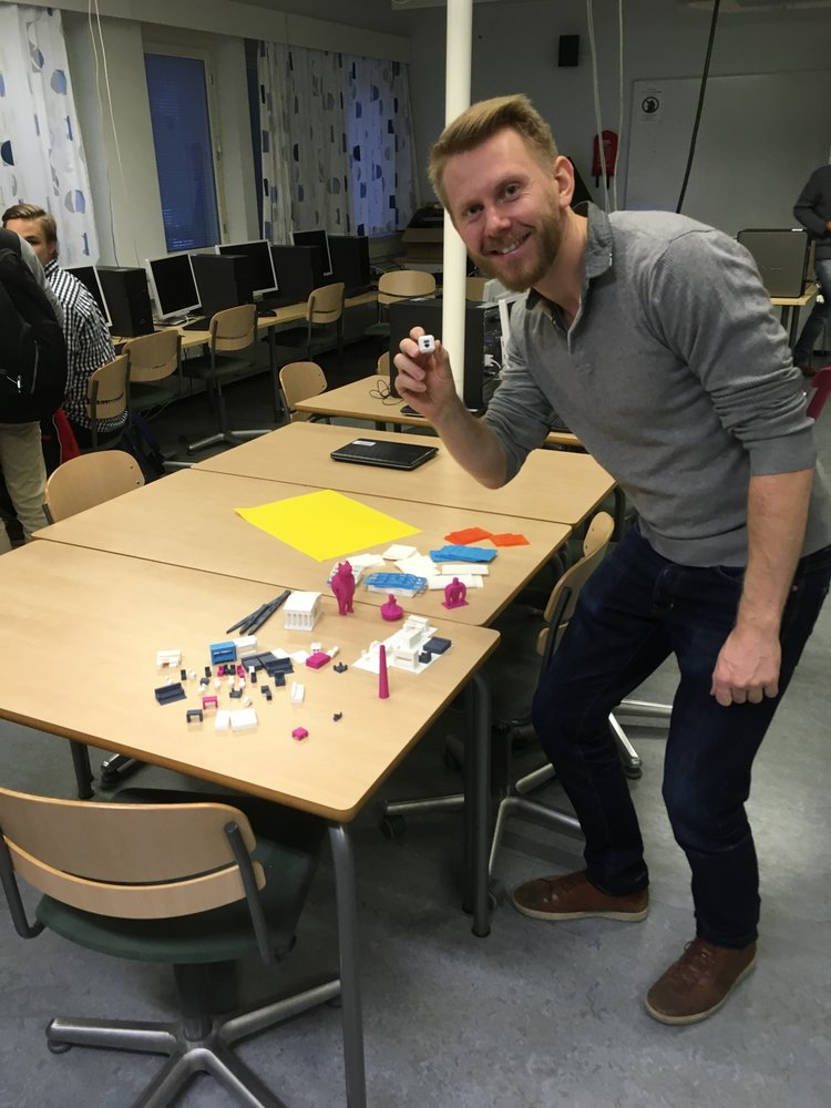 This week we had a great session with Pekka Peura, a forerunner teacher in new teaching methods in Finland such as individualized learning (yksilöllinen oppiminen).